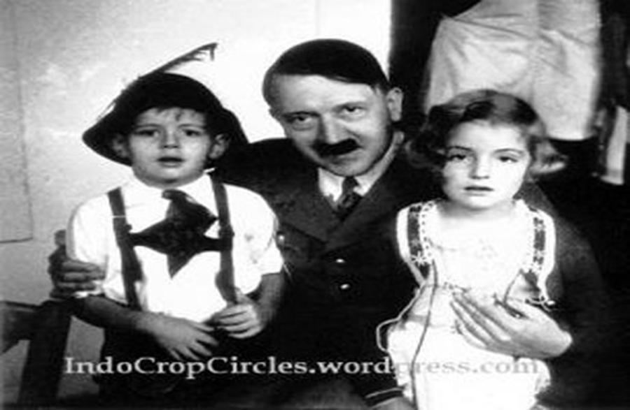 Adolf Hitler Masuk Islam dan Mati di Indonesia