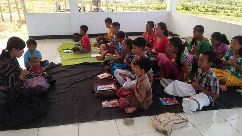 Selama 7 Tahun, Seorang Guru Pendidikan Agama Hindu di KSB Luput Dari Perhatian Pemerintah