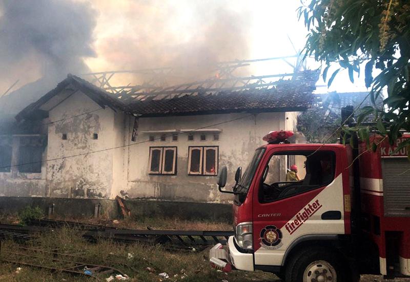 Kerugian Kebakaran Gudang Alsintan Distan KSB Ditaksir Rp 750 Juta