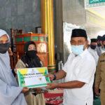 Bupati Beri Insentif Kepada Seluruh Guru Ngaji, Pembina TPQ, dan Hukum Masjid di Kecamatan Taliwang