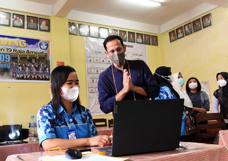 1 Juta Guru Honorer Akan Diangkat Jadi PPPK