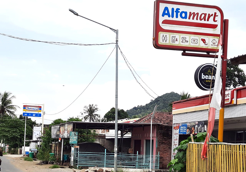 Ritel Modern - Alfamart dan Indomaret