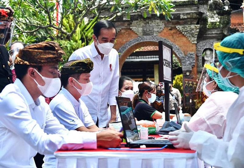 Vaksinasi Massal di Bali 4