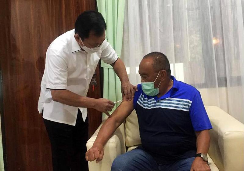 Hari ini, ARB dan Istri Disuntik Vaksin Nusantara Oleh Dokter Terawan