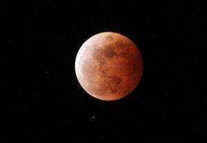 Blood Super Moon 2021