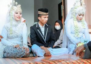 Pria Muda Nikahi 2 Janda Sekaligus di Masa Darurat Covid-19 - Pria Lombok Nikahi 2 Janda Muda