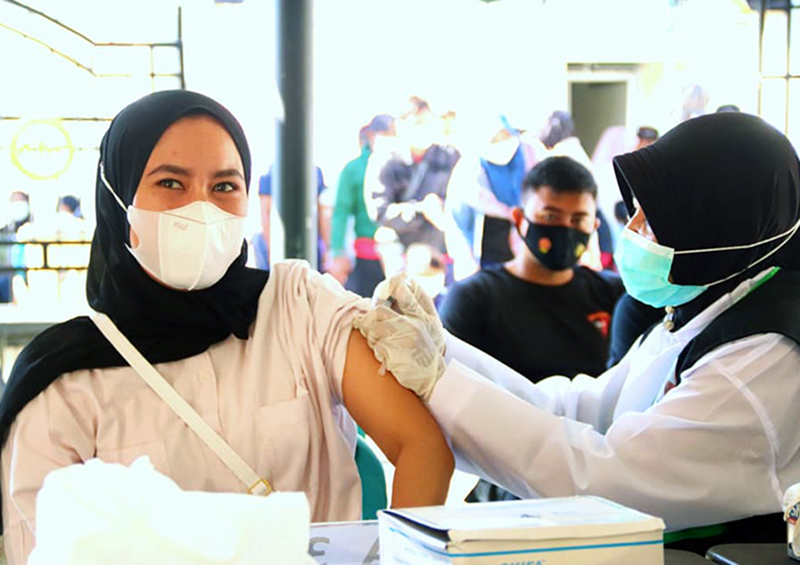 Vaksinasi Covid-19 di Sumbawa Barat