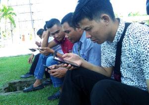 90 Persen Penduduk Sumbawa Barat Miliki Telepon Genggam - Wartawan Sumbawa Barat
