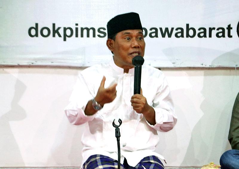 Bupati Sumbawa Barat Kembali Gelar Yasinan Setiap Malam Jum'at - Yasinan di Kediaman Bupati Sumbawa Barat