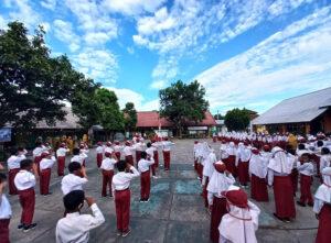 Siswa SD Putus Sekolah Naik 5 Kali Lipat Selama Pandemi Covid-19 - Siswa SDN Telaga Baru Taliwang