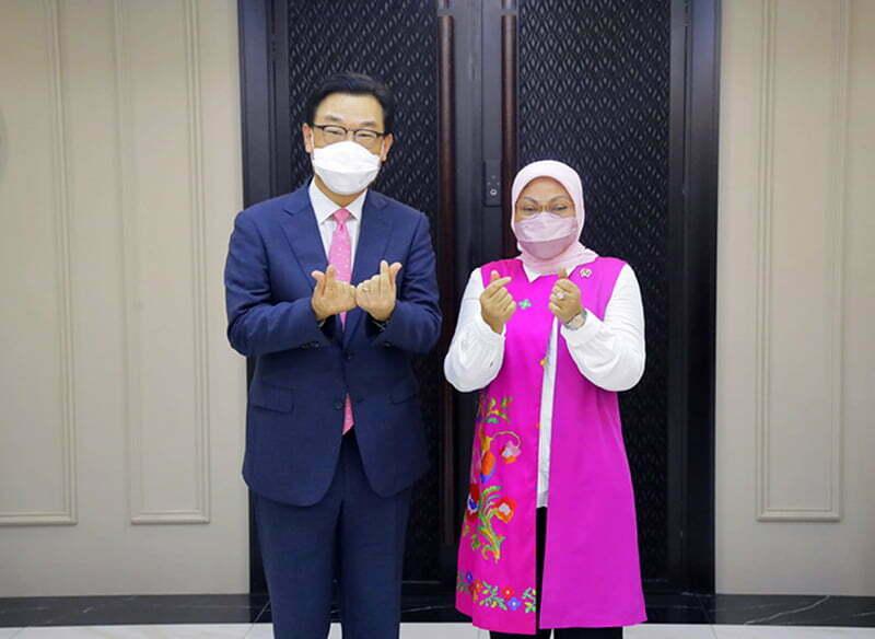 Korea Buka Peluang Kerja Buat 2.139 Orang Tenaga Kerja Asal Indonesia - Menteri Tenaga Kerja Indonesia dan Dubes Korea Untuk Indonesia